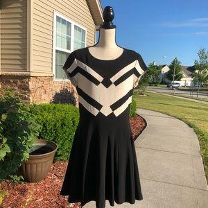 DVF Black & Cream A-line Mini Dress EUC